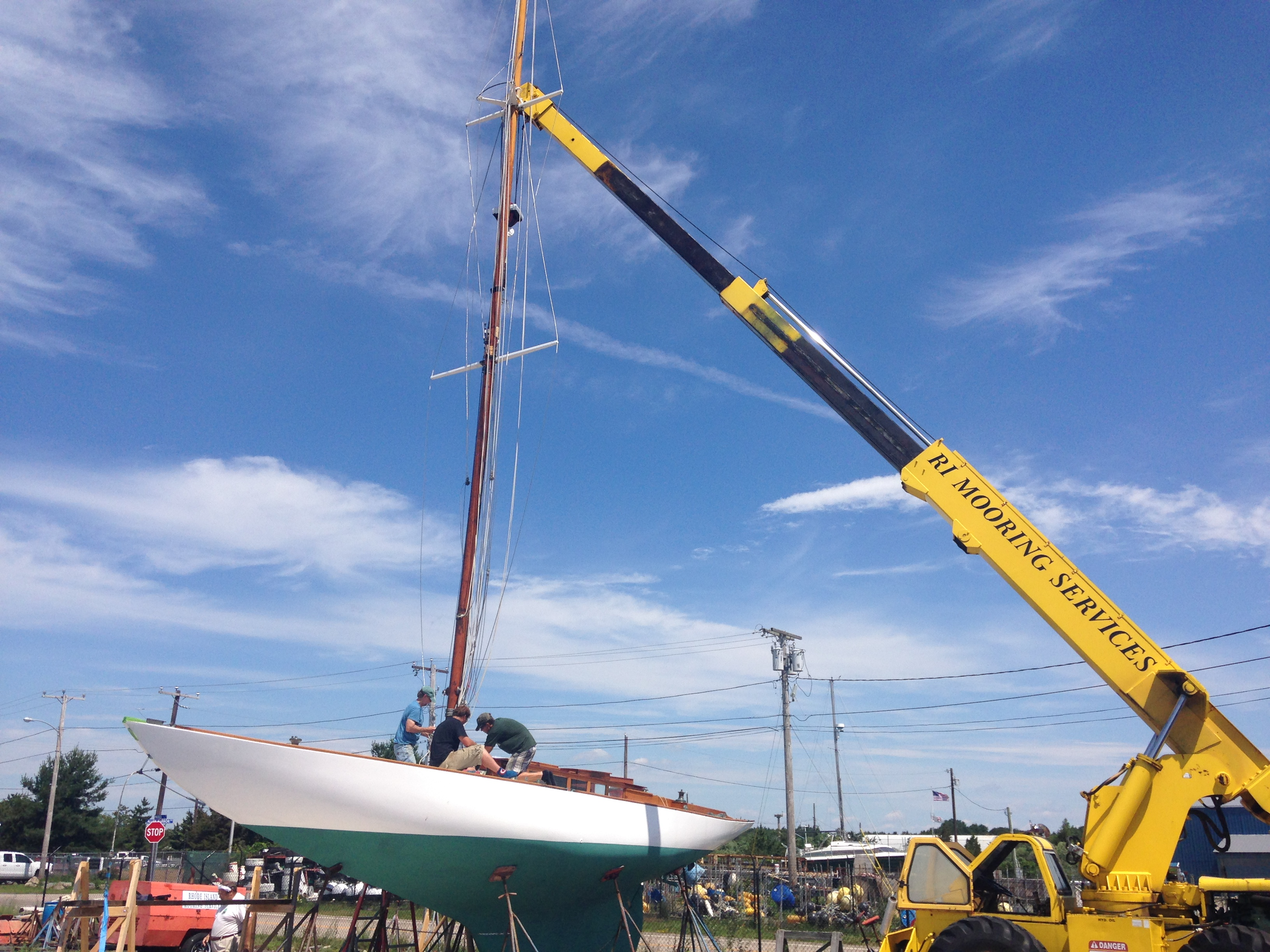 Stepping the mast on a Herreshoff New York 30'